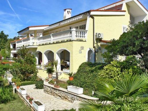 Baroni Urlaub - Villa Lijane 1 mit Pool und Garten in Kroatien